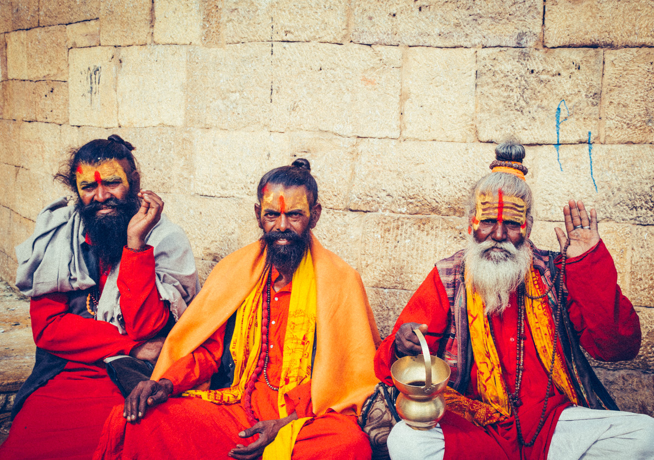 Holy men of india 2.jpg