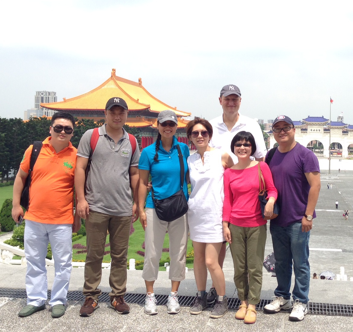 In the sweltering heat at the Chiang Kai-shek Memorial