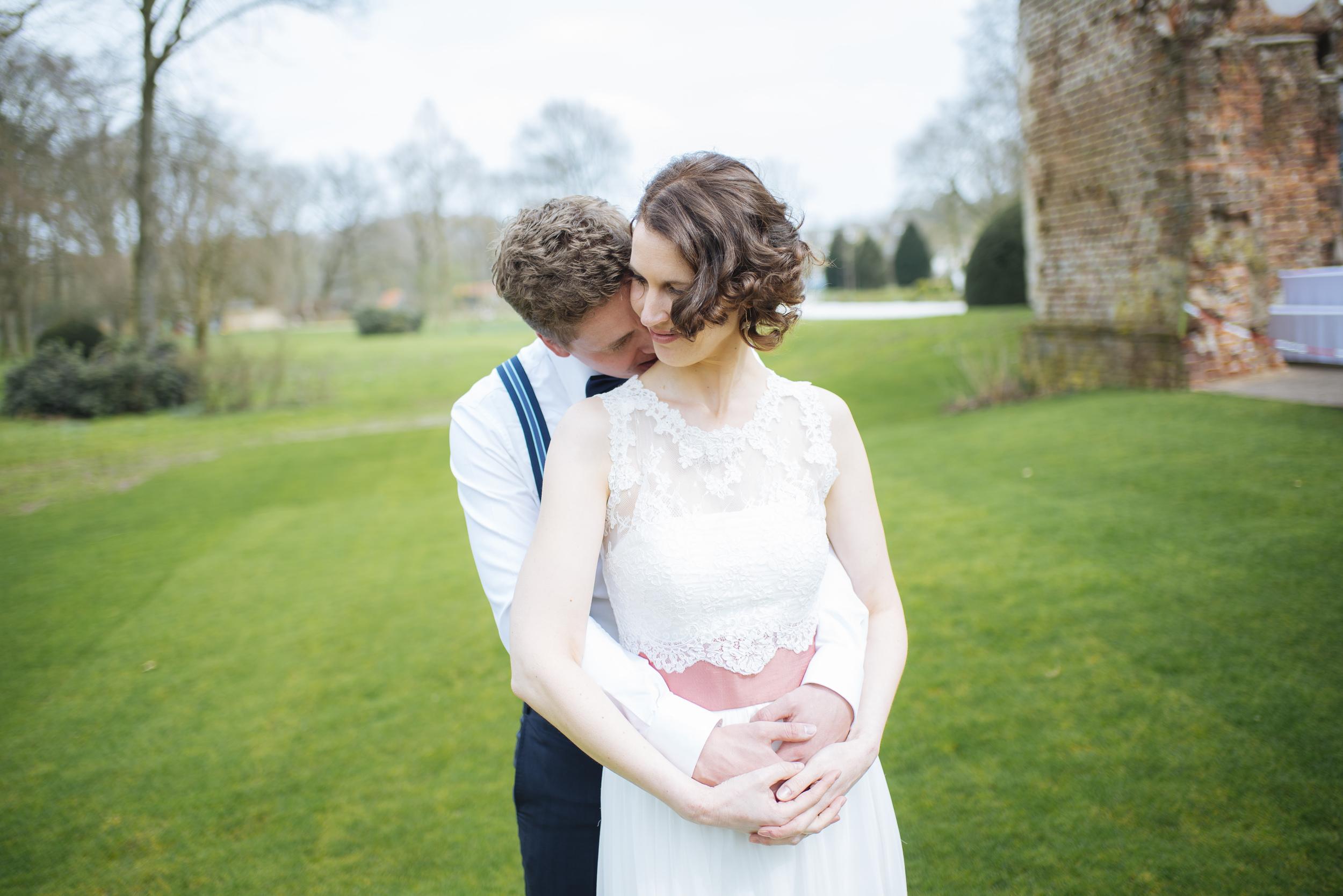 Hochzeitsfotograf-Schlossruine-Hertefeld-Weeze-023.jpg