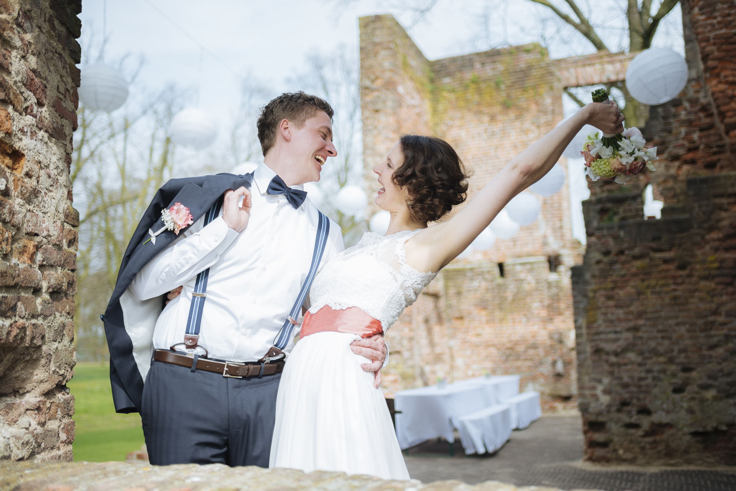 Hochzeitsfotograf-Schlossruine-Hertefeld-Weeze-026.jpg