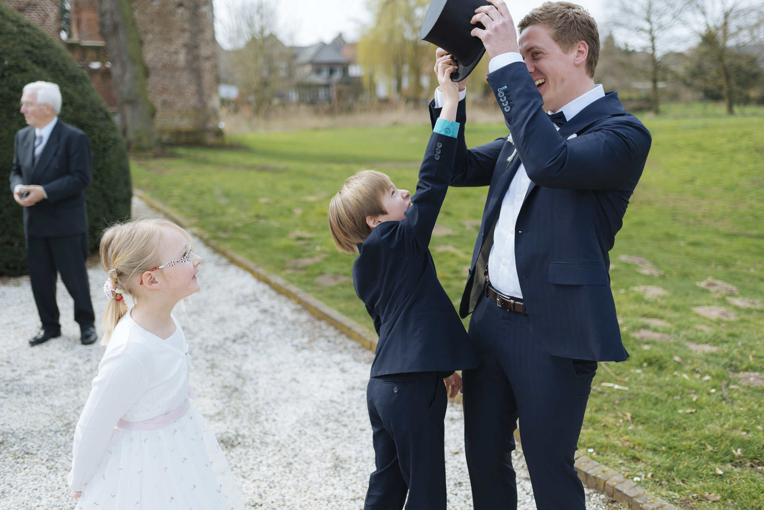Hochzeitsfotograf-Schlossruine-Hertefeld-Weeze-048.jpg