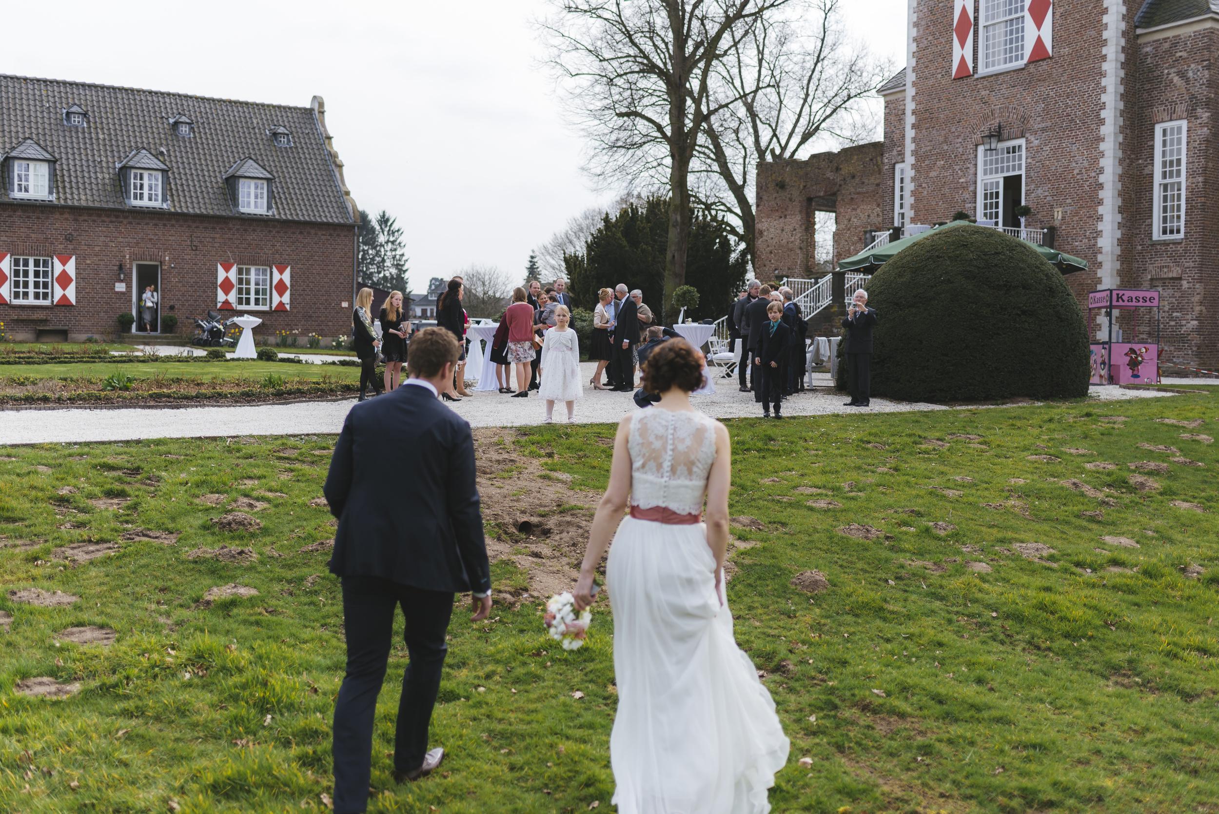 Hochzeitsfotograf-Schlossruine-Hertefeld-Weeze-046.jpg