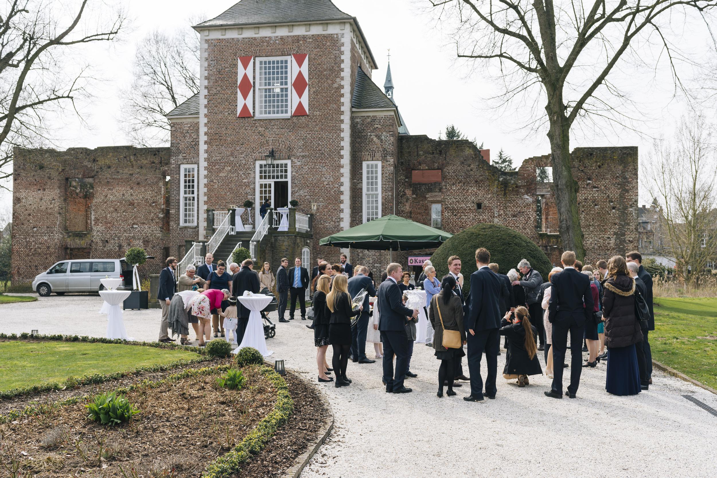 Hochzeitsfotograf-Schlossruine-Hertefeld-Weeze-051.jpg