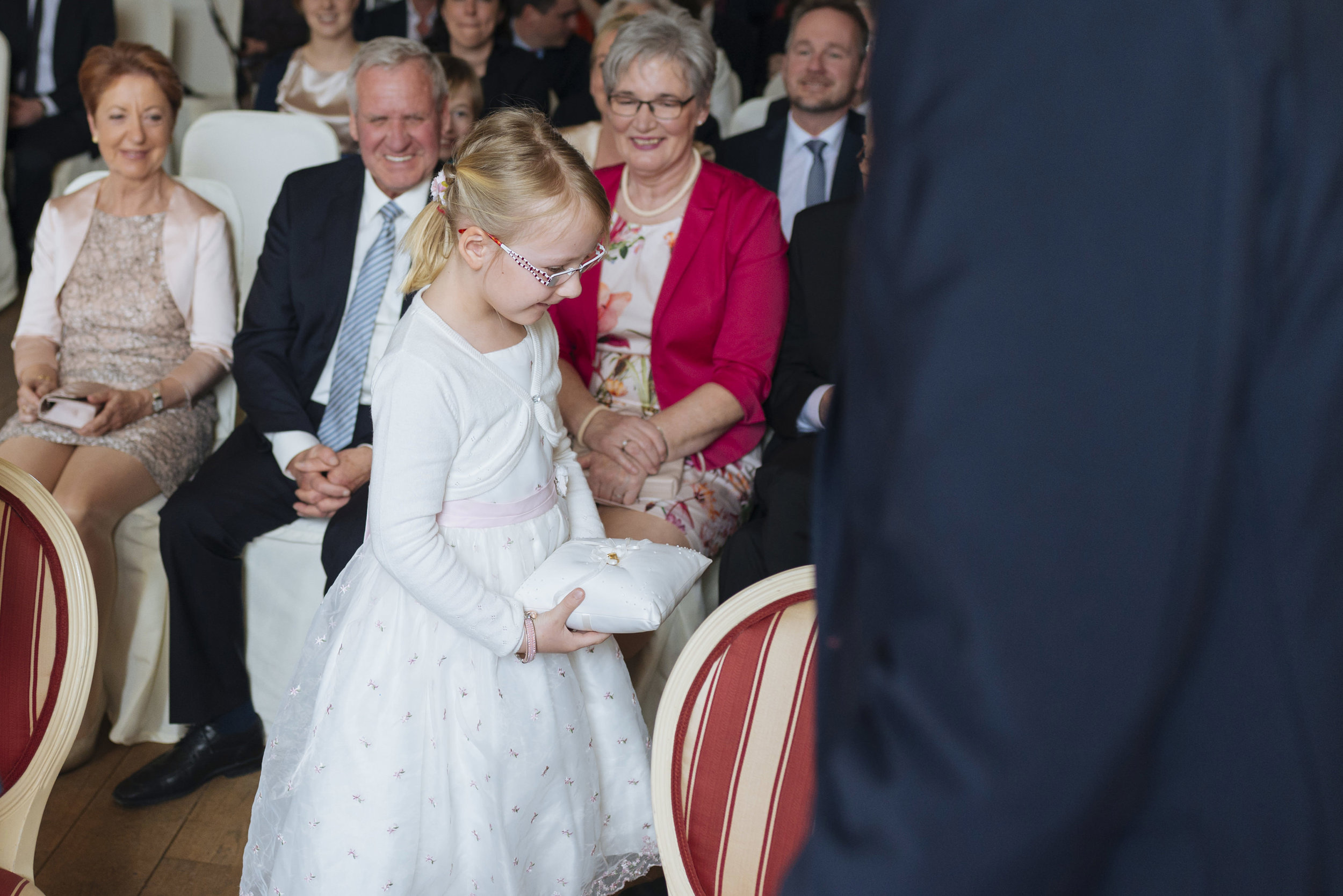 Hochzeitsfotograf-Schlossruine-Hertefeld-Weeze-075.jpg