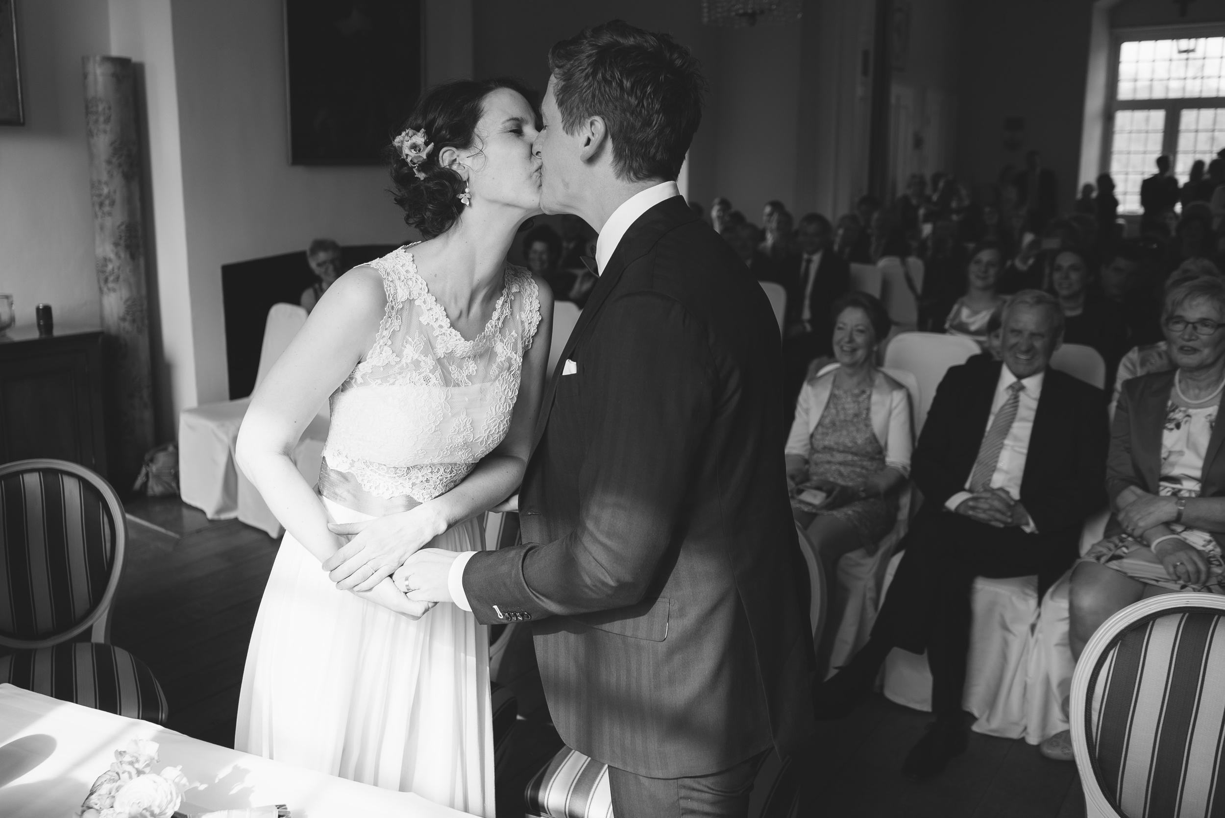 Hochzeitsfotograf-Schlossruine-Hertefeld-Weeze-080.jpg