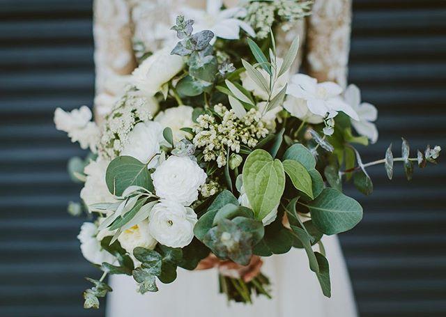 That bouquet 👌🏼 @twigandtwine 📷 @geoffgiant