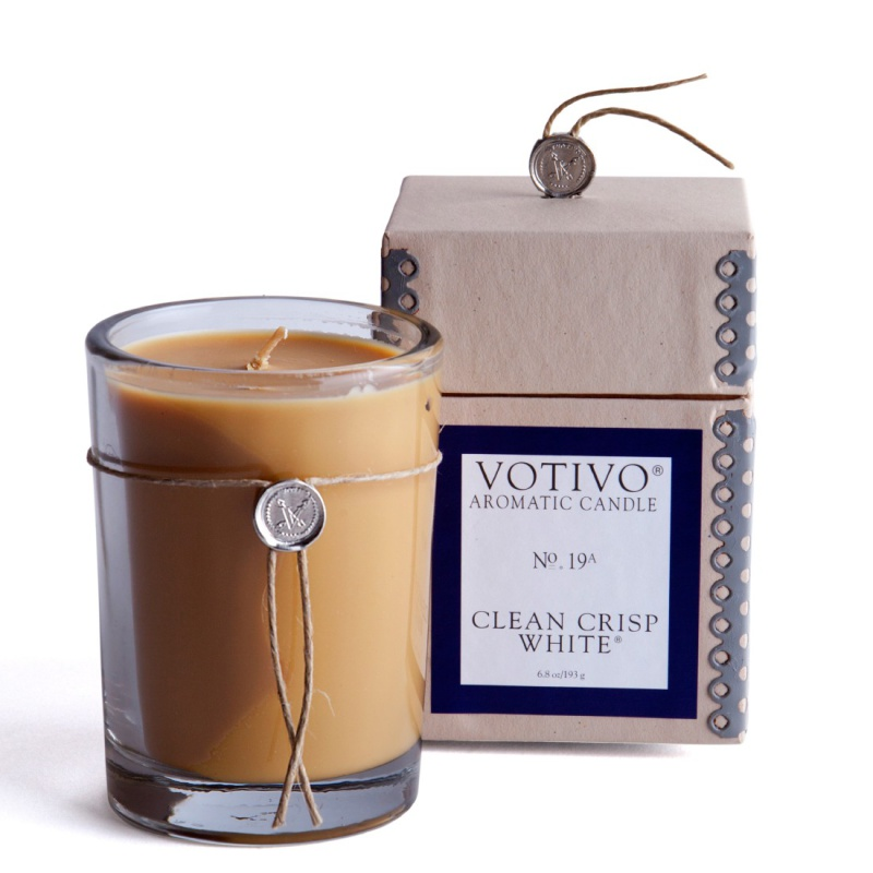 Scented candles just never get old. Nothing beats the smell of crisp white freshly washed linens. Votivo scented candle in Clean Crisp White, £28