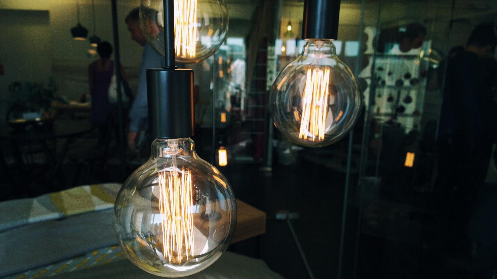 heals filament bulbs