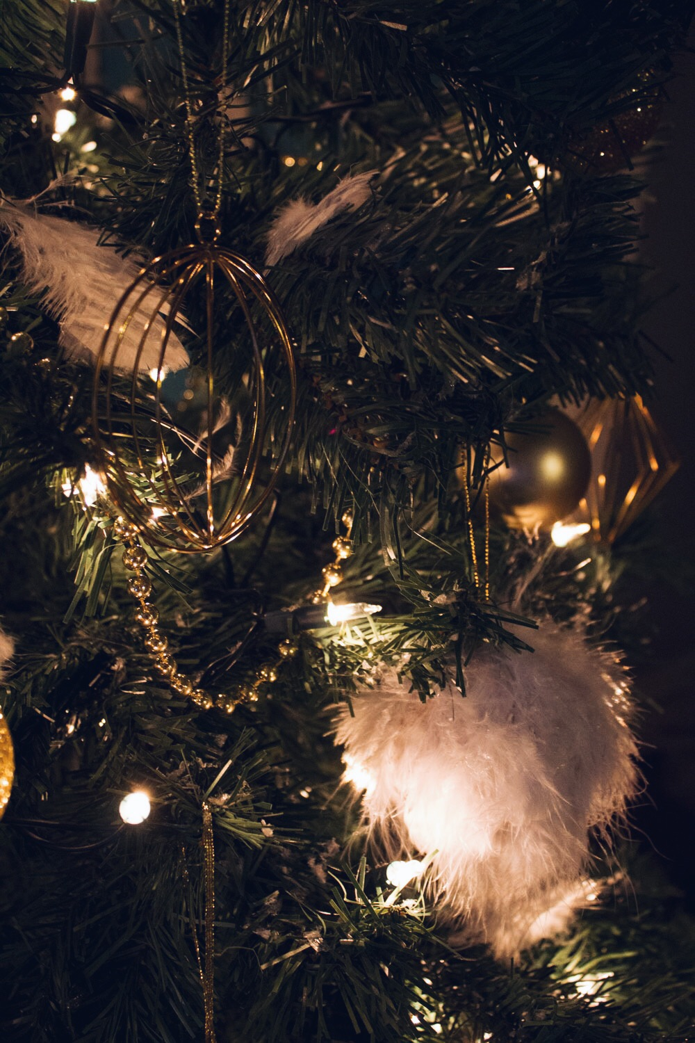 christmas tree decorating tips