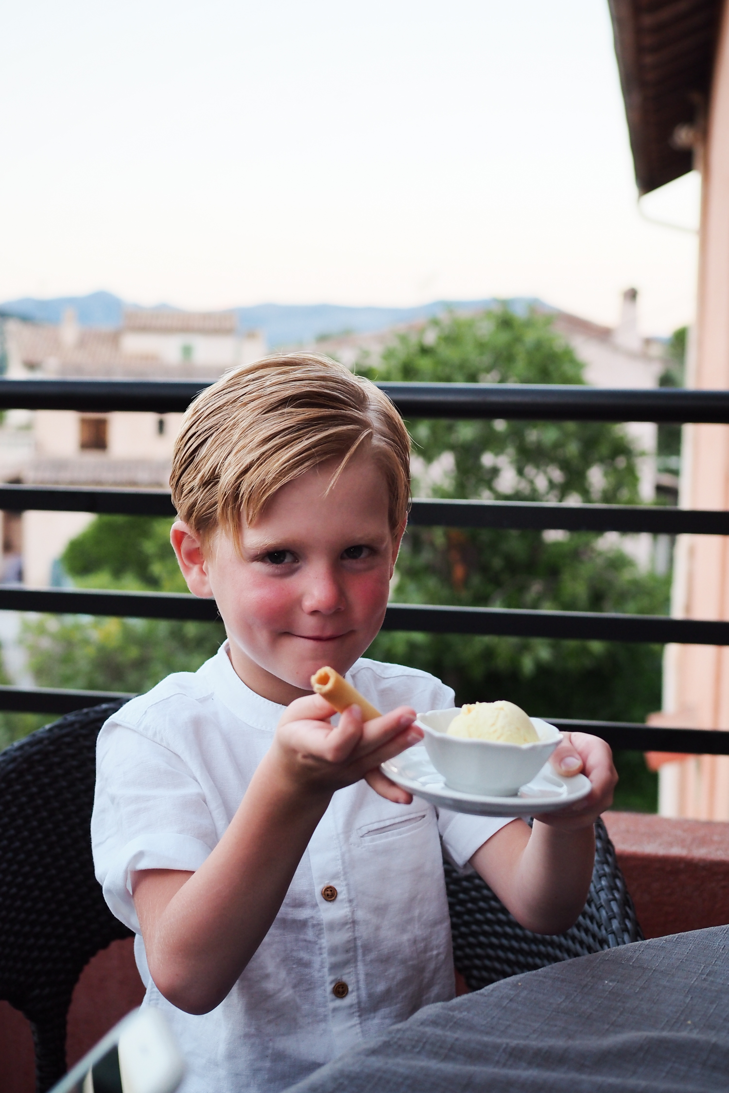 My blogger photo diary of my family trip to Nice in the south of France with Airbnb