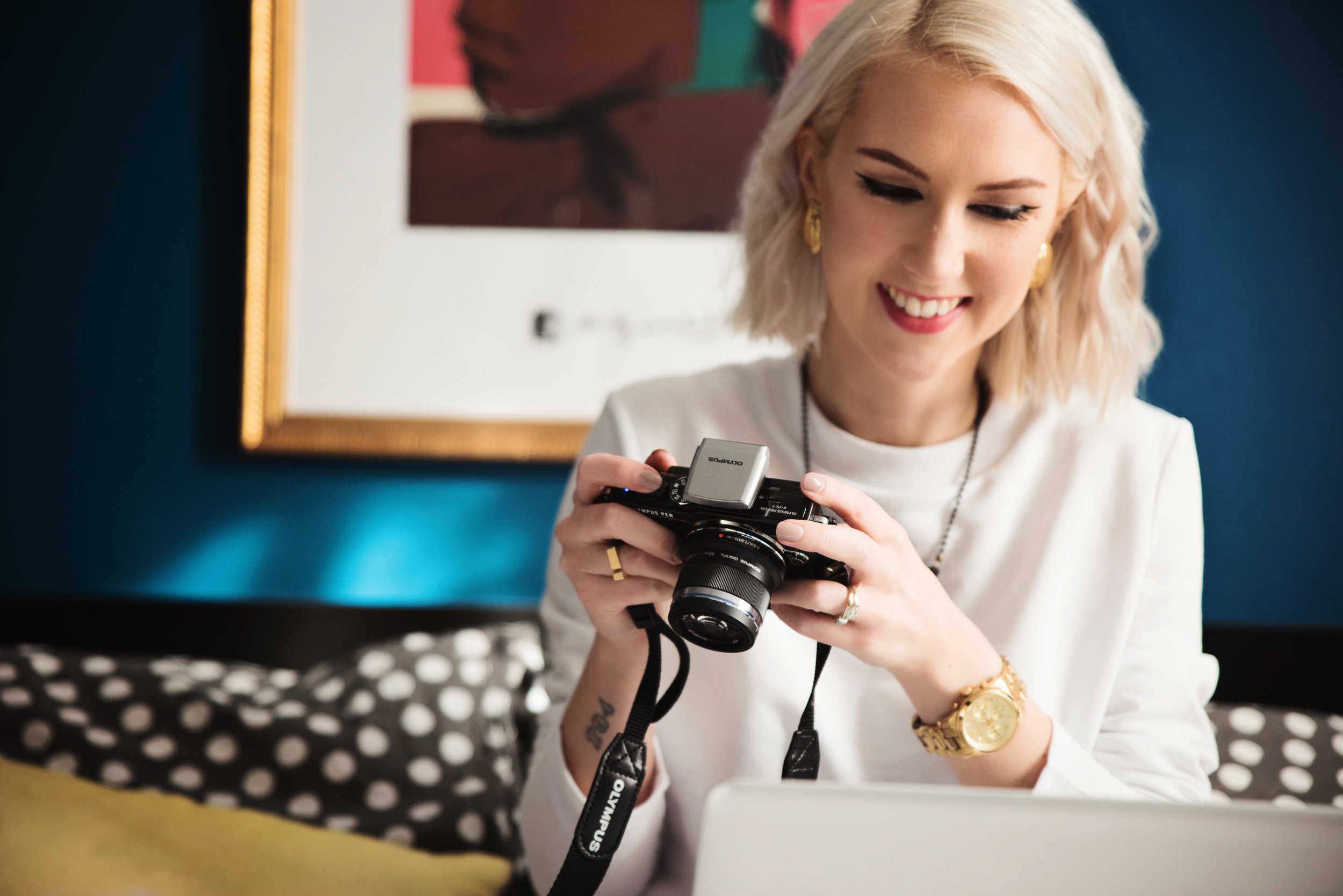 WHAT IS THE BEST CAMERA FOR A BLOGGER, CONTENT CREATOR OR INFLUENCER?