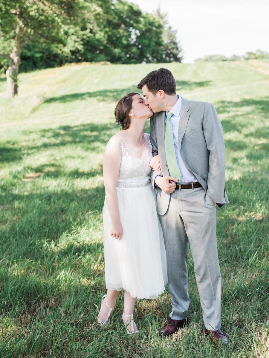 summer early mountain vineyard charlottesville virginia wedding photographer lissa ryan photography