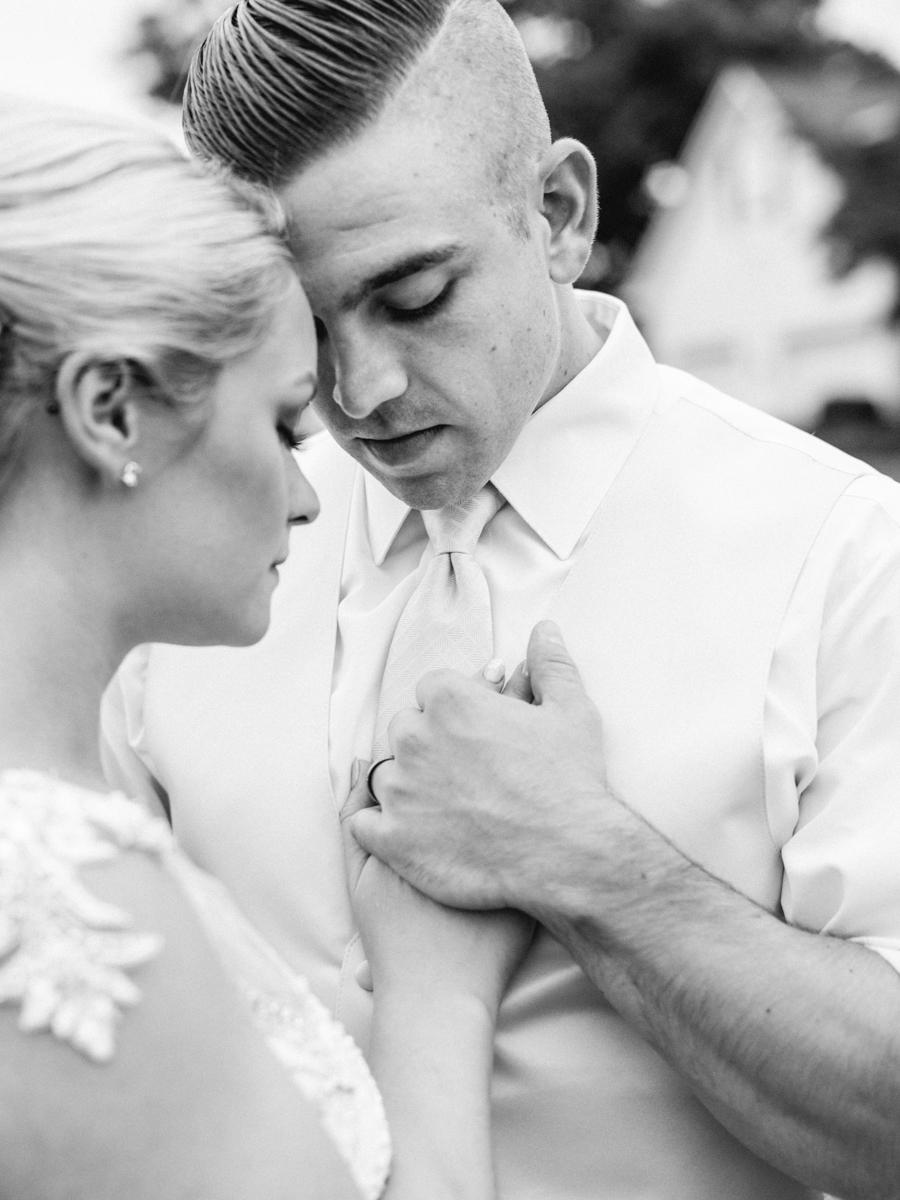 flora corner farm maryland mint and gold wedding fine art wedding photographer lissa ryan photography