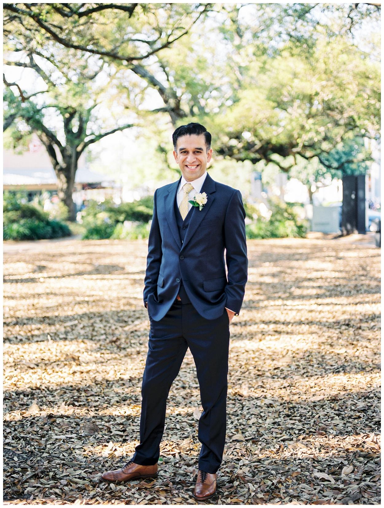 spring pensacola florida wedding at 5eleven Palafox by fine art washington dc and destination wedding photographer Lissa Ryan Photography