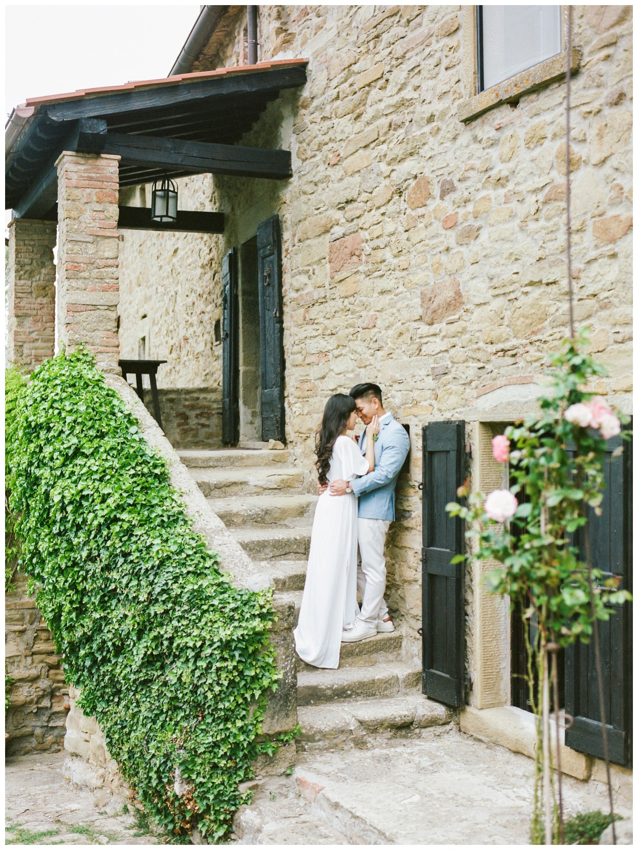 Spring Engagement at Villa Montanare in Cortona Tuscany, Italy by fine art wedding photographer Lissa Ryan Photography