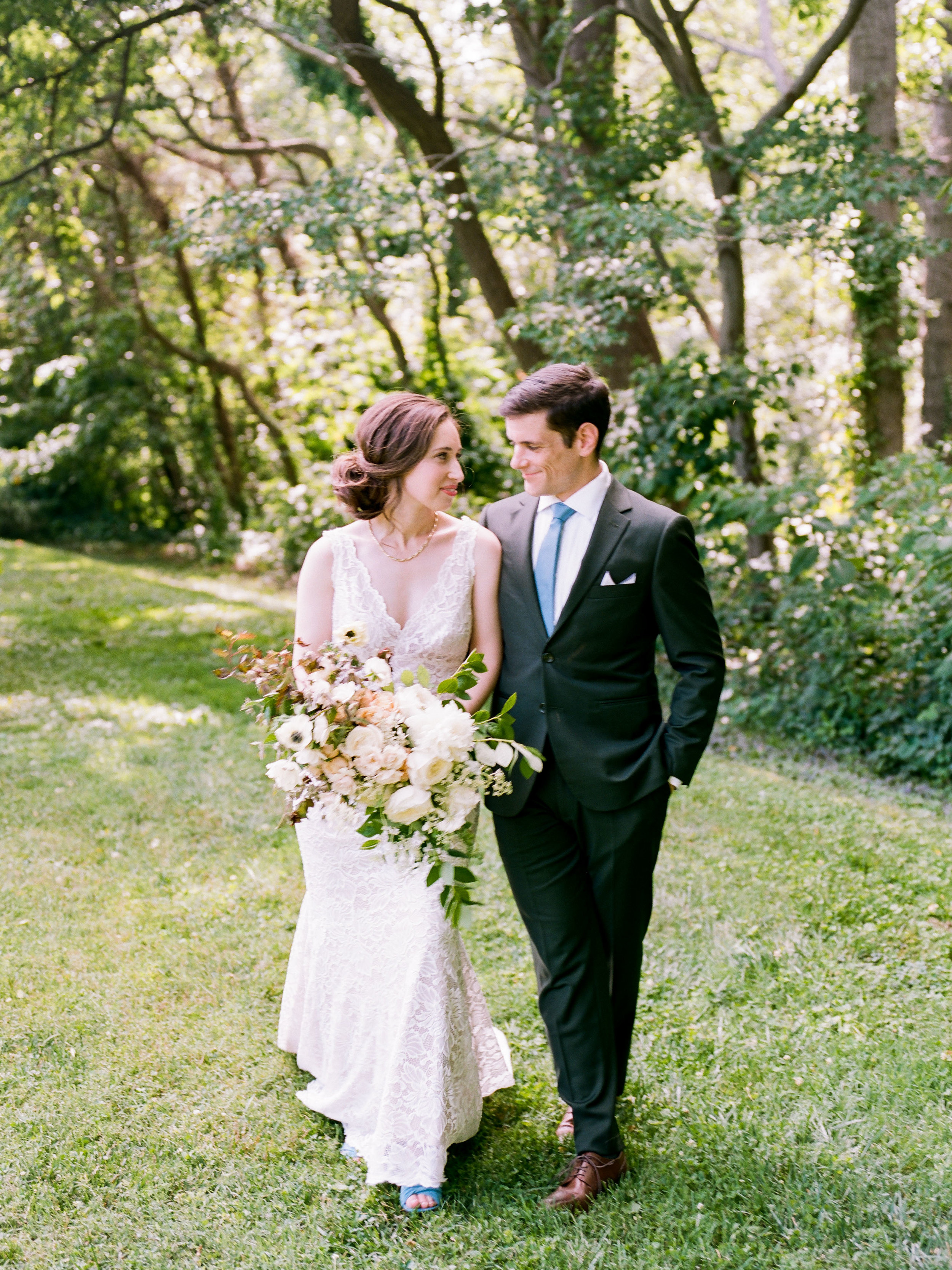 Intimate Summer Wedding at River Farm in Alexandria, Virginia by fine art wedding photographer Lissa Ryan Photography