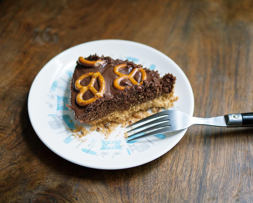 Brownie Pretzel Pie
