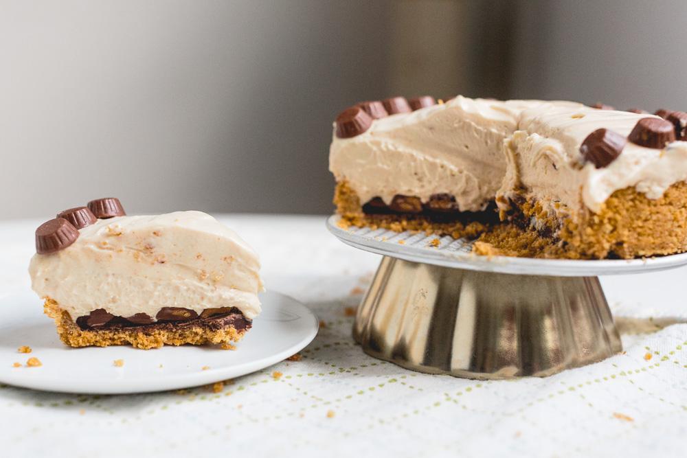 Peanut Butter Cup Pie | Becca Bakes (www.becca-bakes.com)