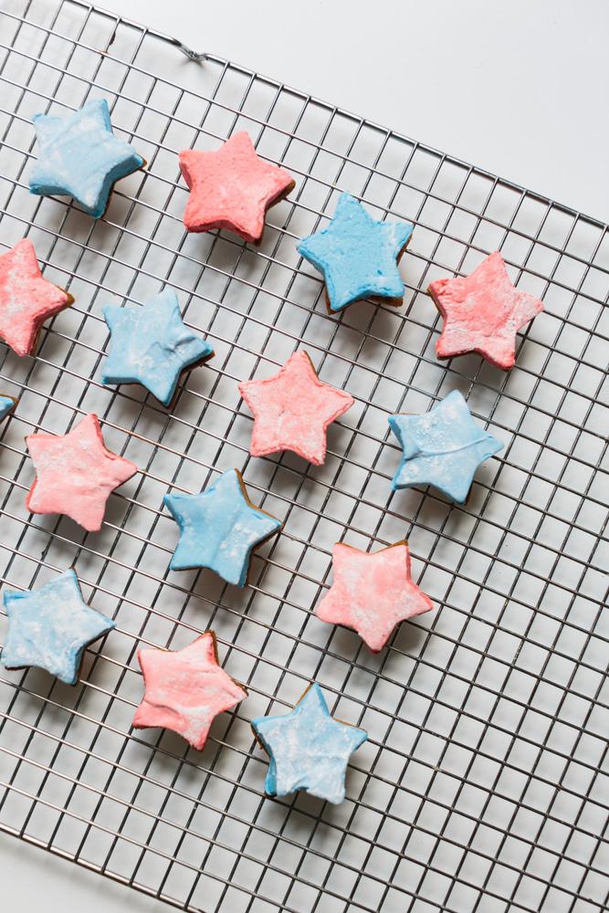 Fourth of July Mallo-Stars (Homemade Mallomars)