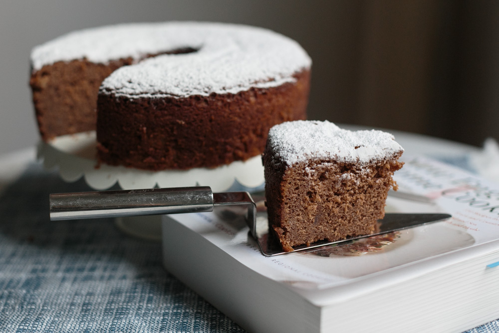 Secret Ingredient Chocolate Cake | Becca Bakes (www.becca-bakes.com)
