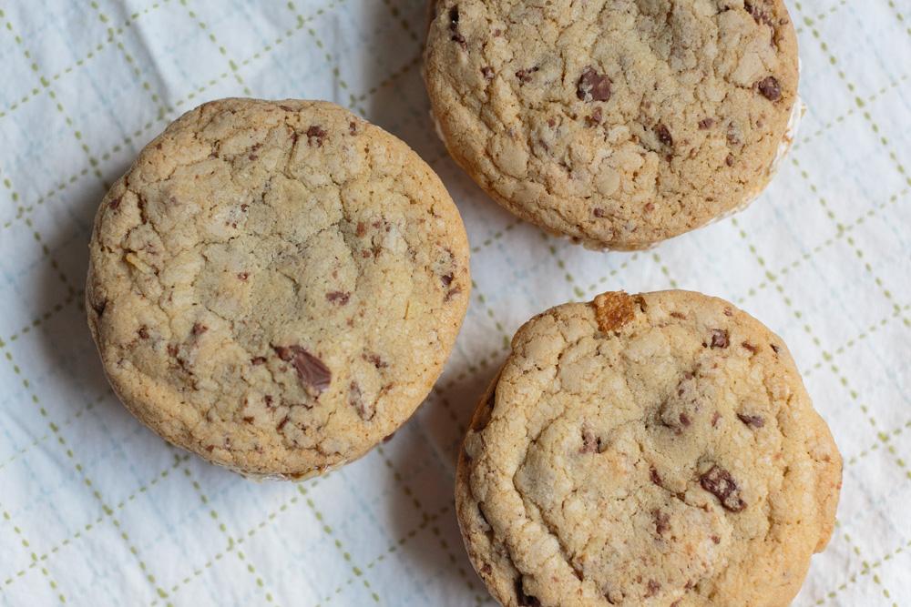 Salty, Crunchy, Sweet Gelato  Sandwiches | Becca Bakes (www.becca-bakes.com)