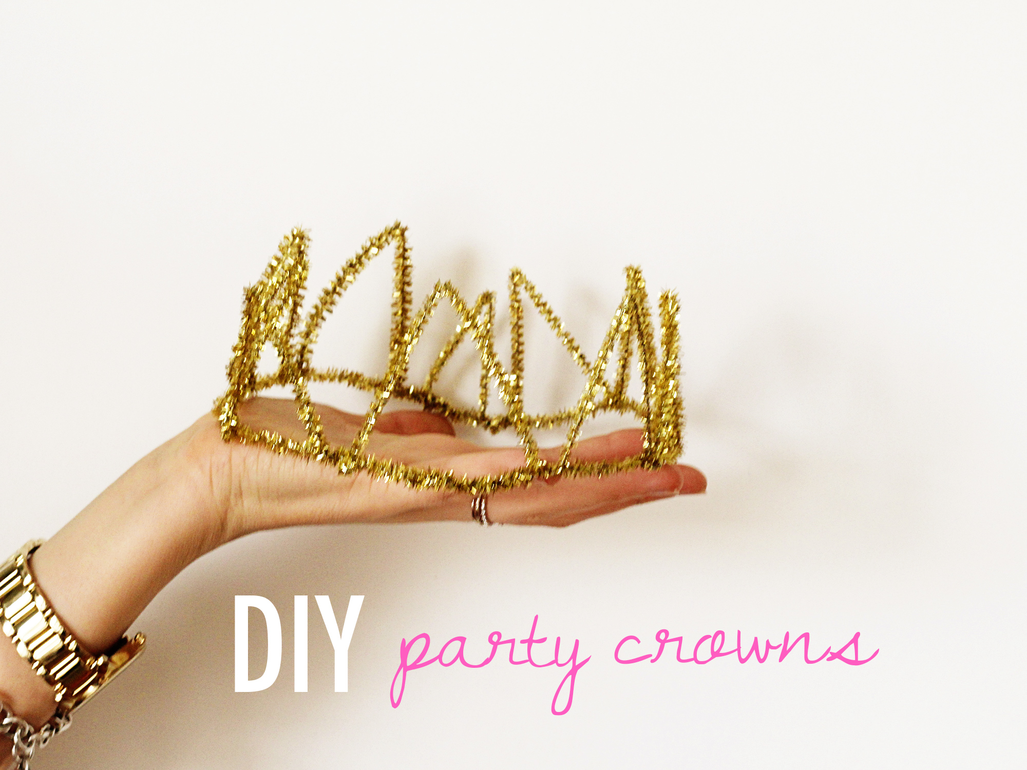 DIY Party Crowns // ssheart.com