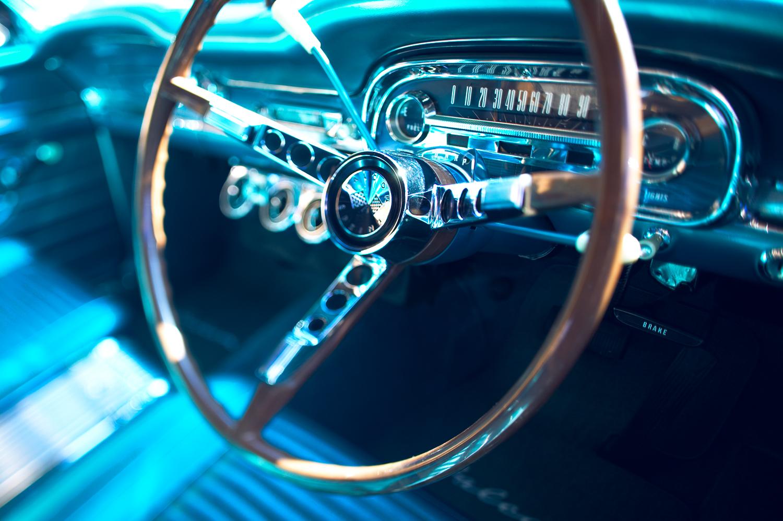 AUTO-016-FORD-FALCON.jpg