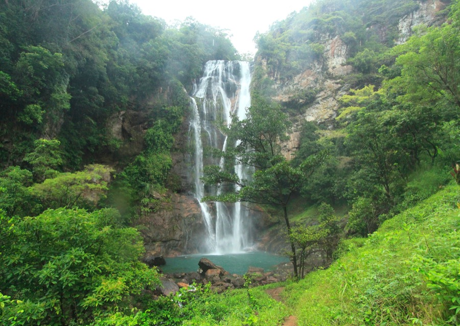 Cunca-rami-waterfall-1.jpg