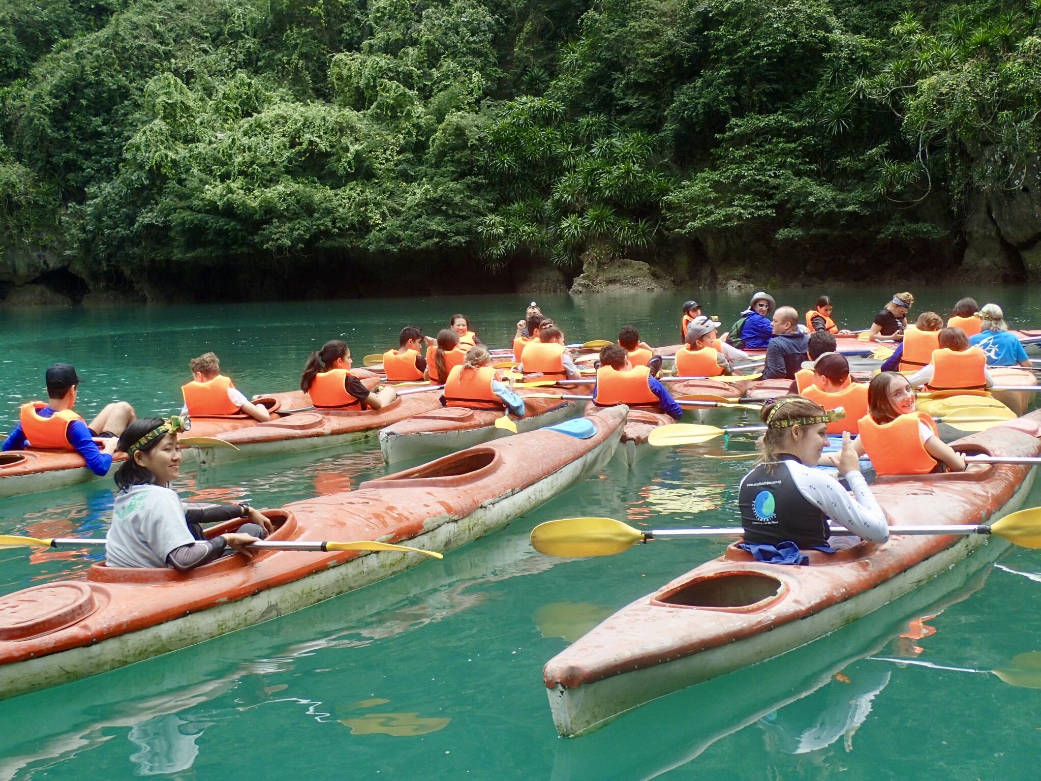 Kayak Vietnam 2.jpg