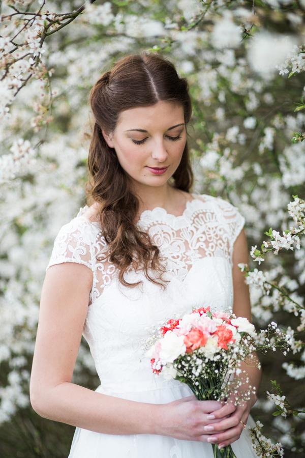 styled-wedding-bridal-shoot-blossom-2