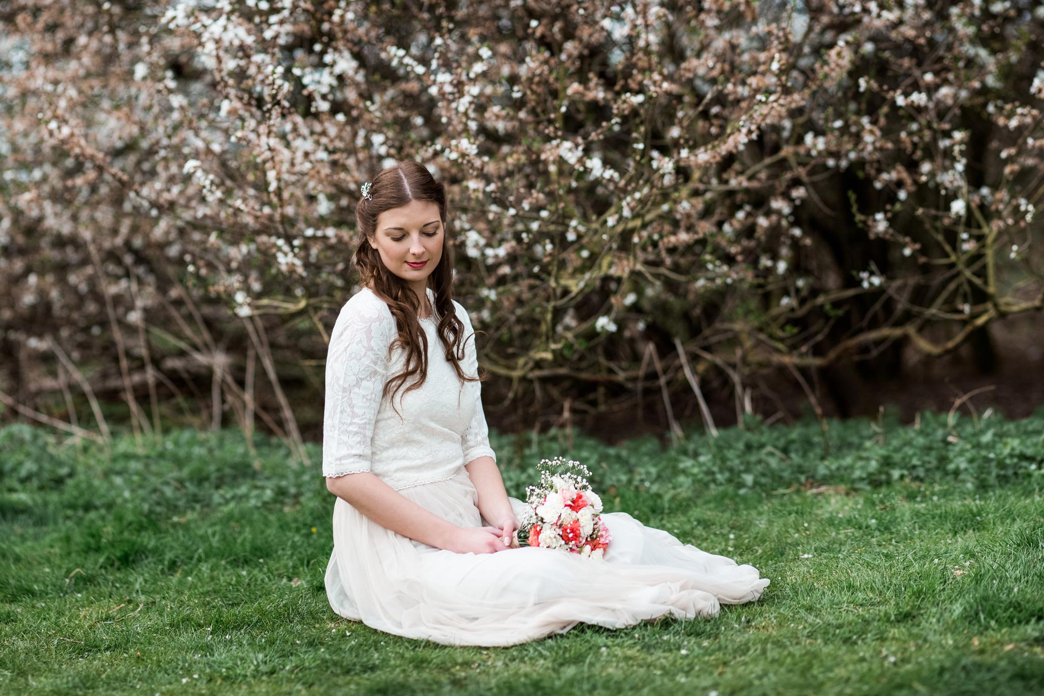styled-wedding-bridal-shoot-blossom-10