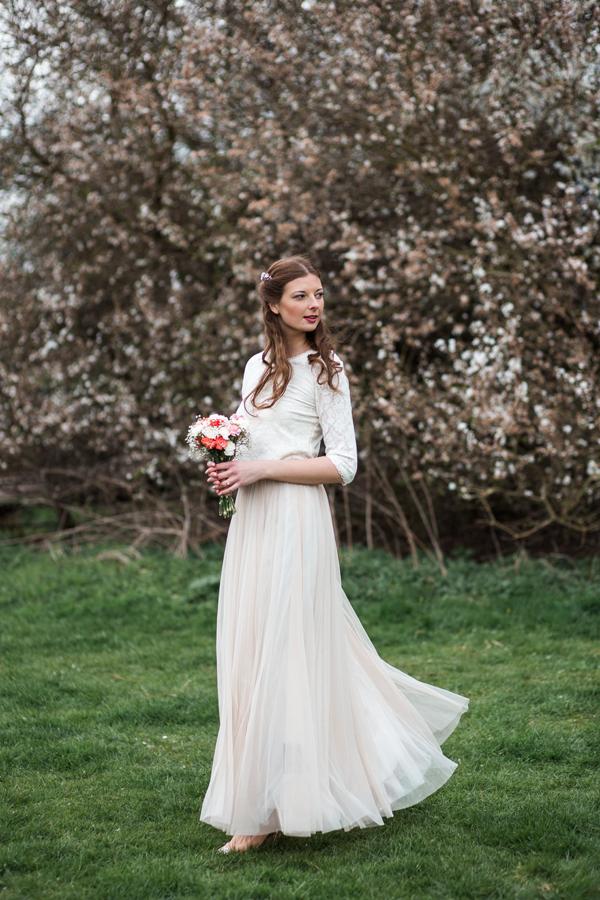 styled-wedding-bridal-shoot-blossom-11