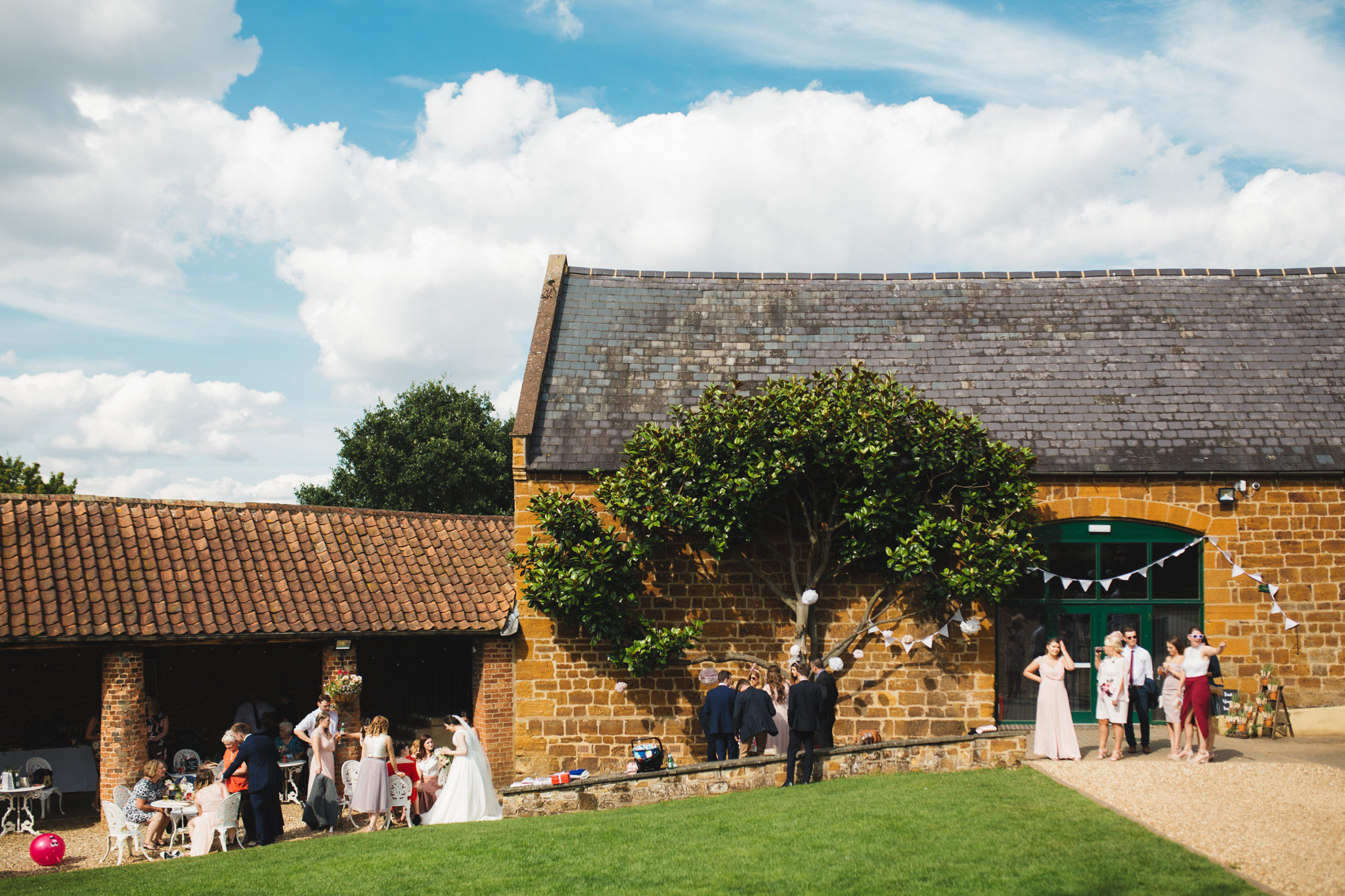 barns-at-hunsbury-hill-northampton-wedding-photography_web__1453__38A7117.jpg