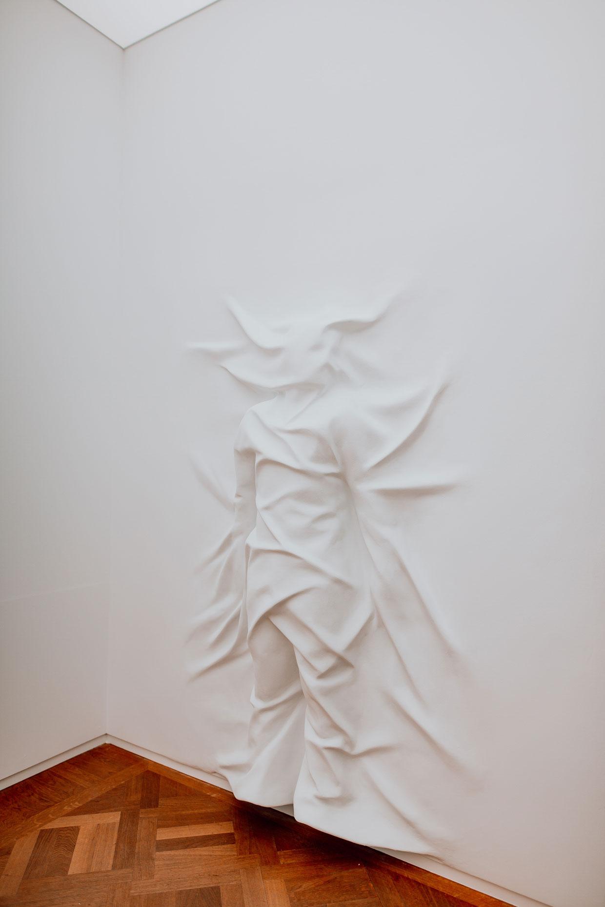 © MOCO Amsterdam, Daniel Arsham, Hiding Figure