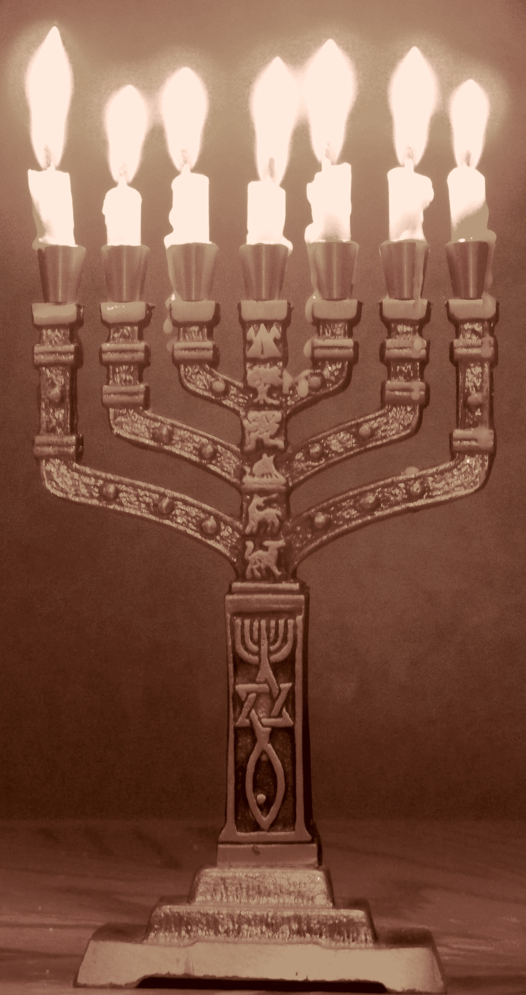 The menorah was the original symbol of Christianity
