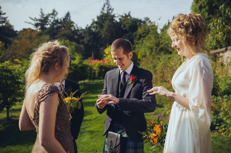 92-alternative-creative-wedding-photography--3.jpg