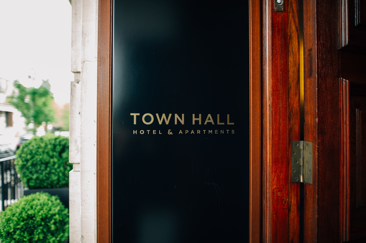 0029-lisa-devine-alternative-wedding-photography-london-hackney-dalston-london-photography-townhall-hotel.JPG