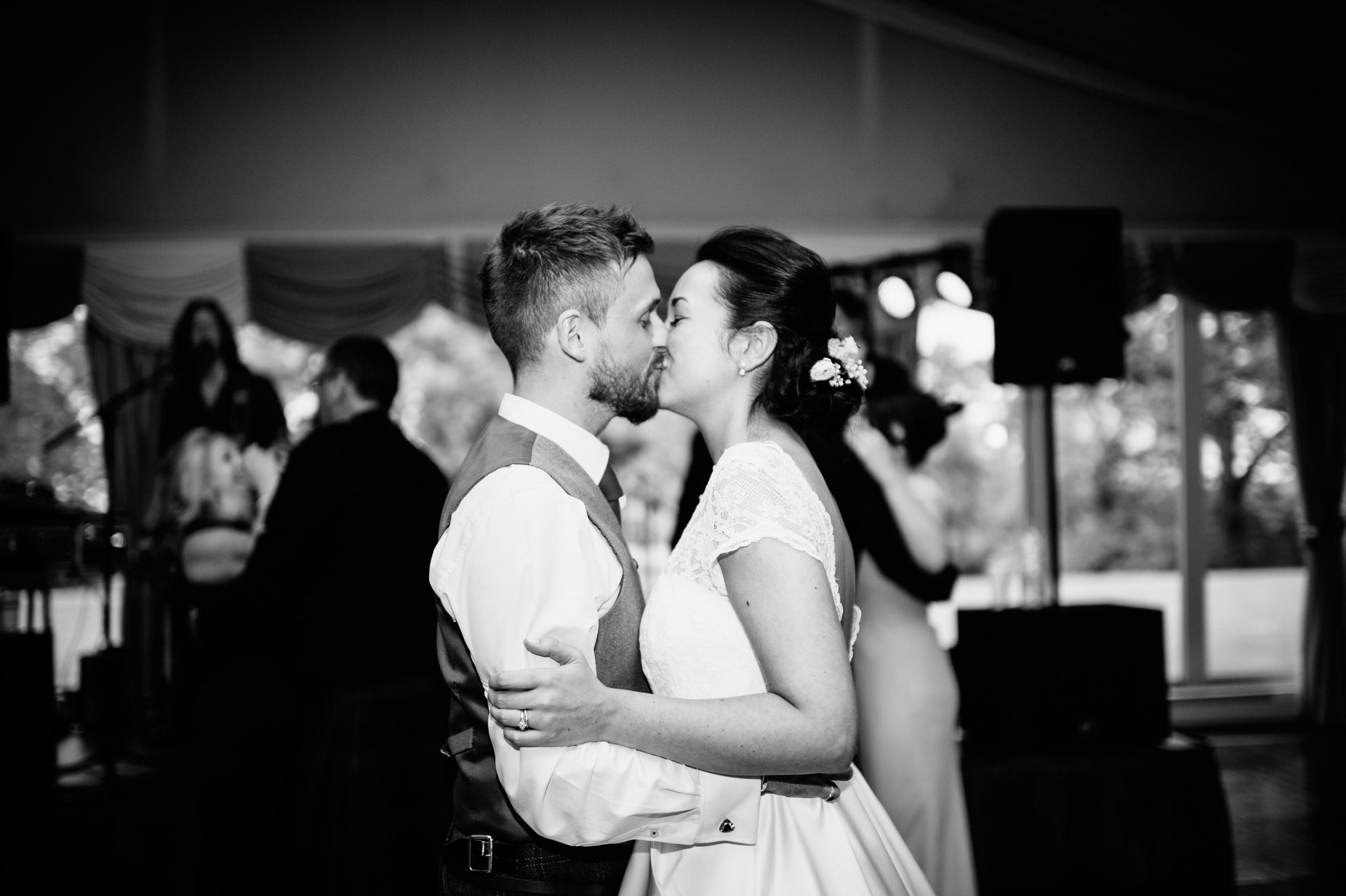 0185-lisa-devine-alternative-creative-wedding-photography-glasgow-edinburgh.JPG