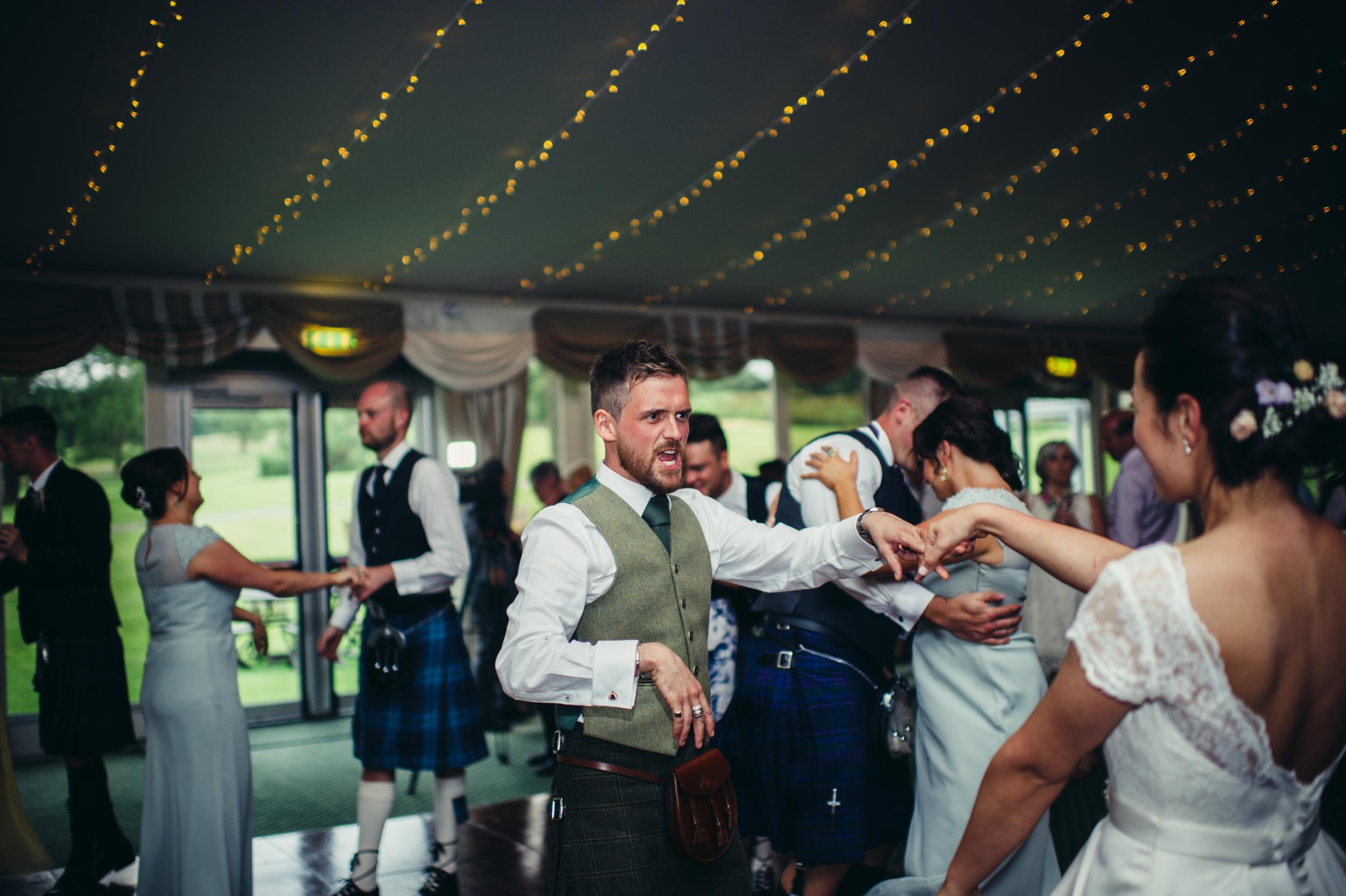 0186-lisa-devine-alternative-creative-wedding-photography-glasgow-edinburgh.JPG