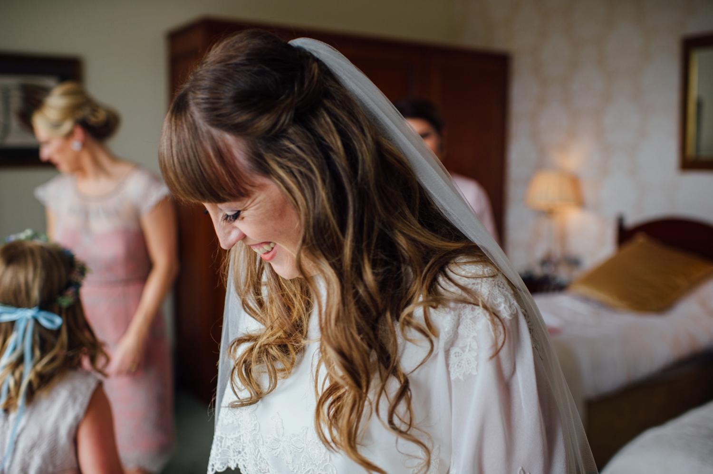 017-lisa-devine-photography-alternative-creative-wedding-photography-glasgow-scotland-uk.JPG