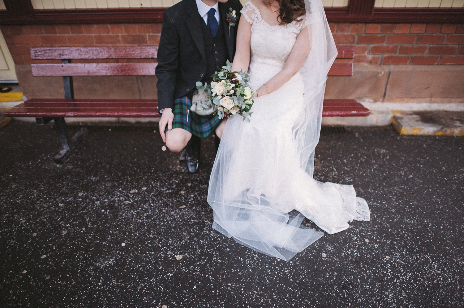 1429-lisa-devine-photography-alternative-stylish-creative-wedding-photography-glasgow-scotland-uk.JPG