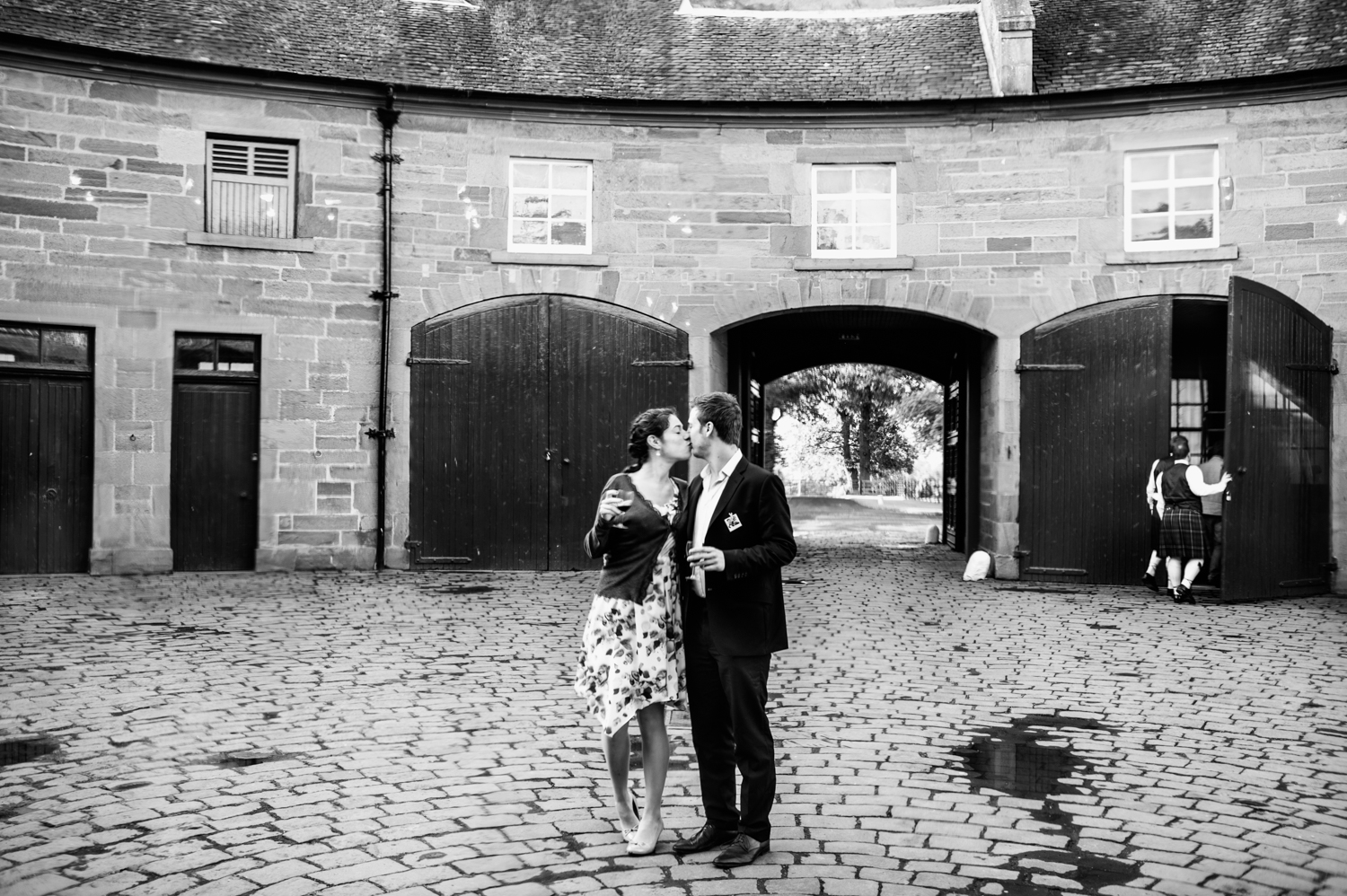 134-lisa-devine-photography-alternative-creative-wedding-photography-glasgow-errol-park-perthshire-scotland-uk.JPG