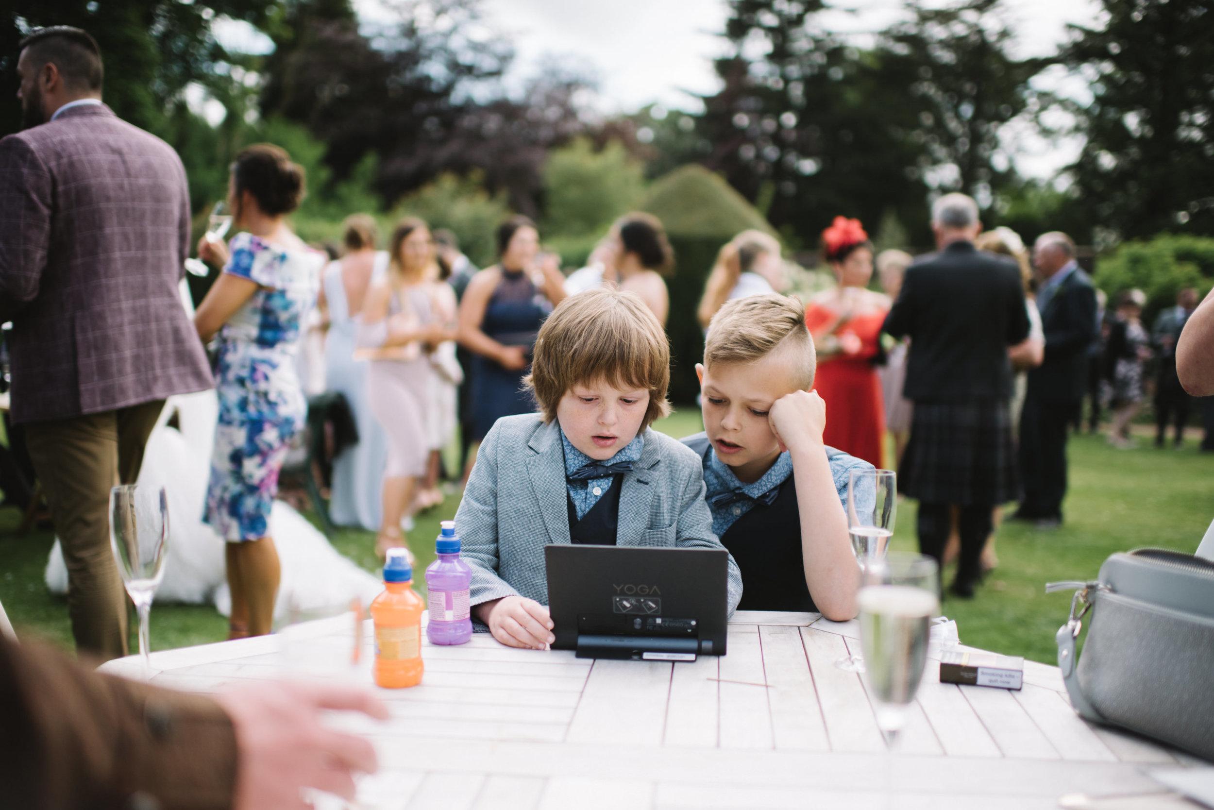 0013-LISA-DEVINE-PHOTOGRAPHY-ALTERNATIVE-WEDDING-PHOTOGRAPHY-SCOTLAND-DESTINATION-WEDDINGS-GLASGOW-WEDDINGS-COOL-WEDDINGS-STYLISH-WEDDINGS.JPG