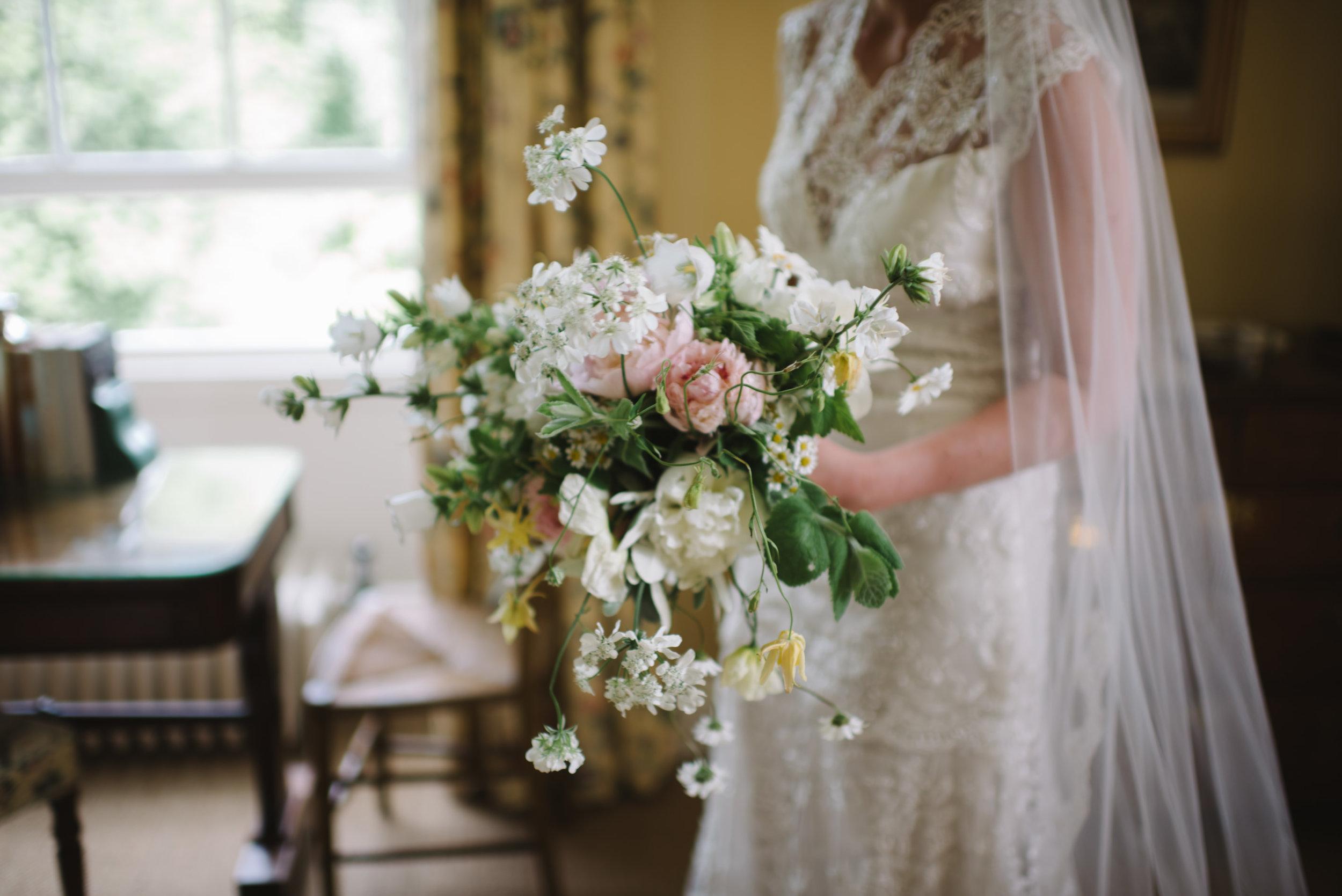 0017-LISA-DEVINE-PHOTOGRAPHY-ALTERNATIVE-WEDDING-PHOTOGRAPHY-SCOTLAND-DESTINATION-WEDDINGS-GLASGOW-WEDDINGS-COOL-WEDDINGS-STYLISH-WEDDINGS.JPG