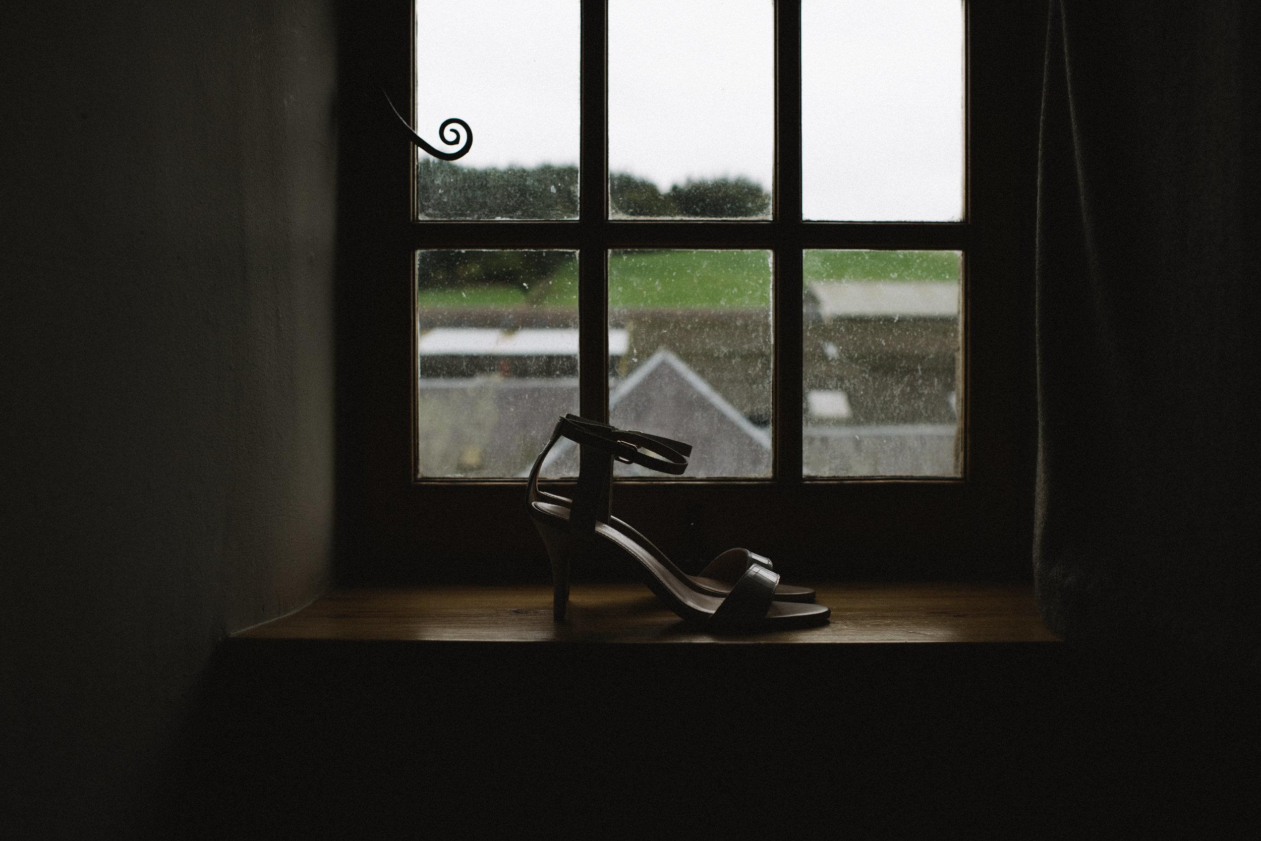 0034-LISA-DEVINE-PHOTOGRAPHY-ALTERNATIVE-WEDDING-PHOTOGRAPHY-SCOTLAND-DESTINATION-WEDDINGS-GLASGOW-WEDDINGS-COOL-WEDDINGS-STYLISH-WEDDINGS.JPG