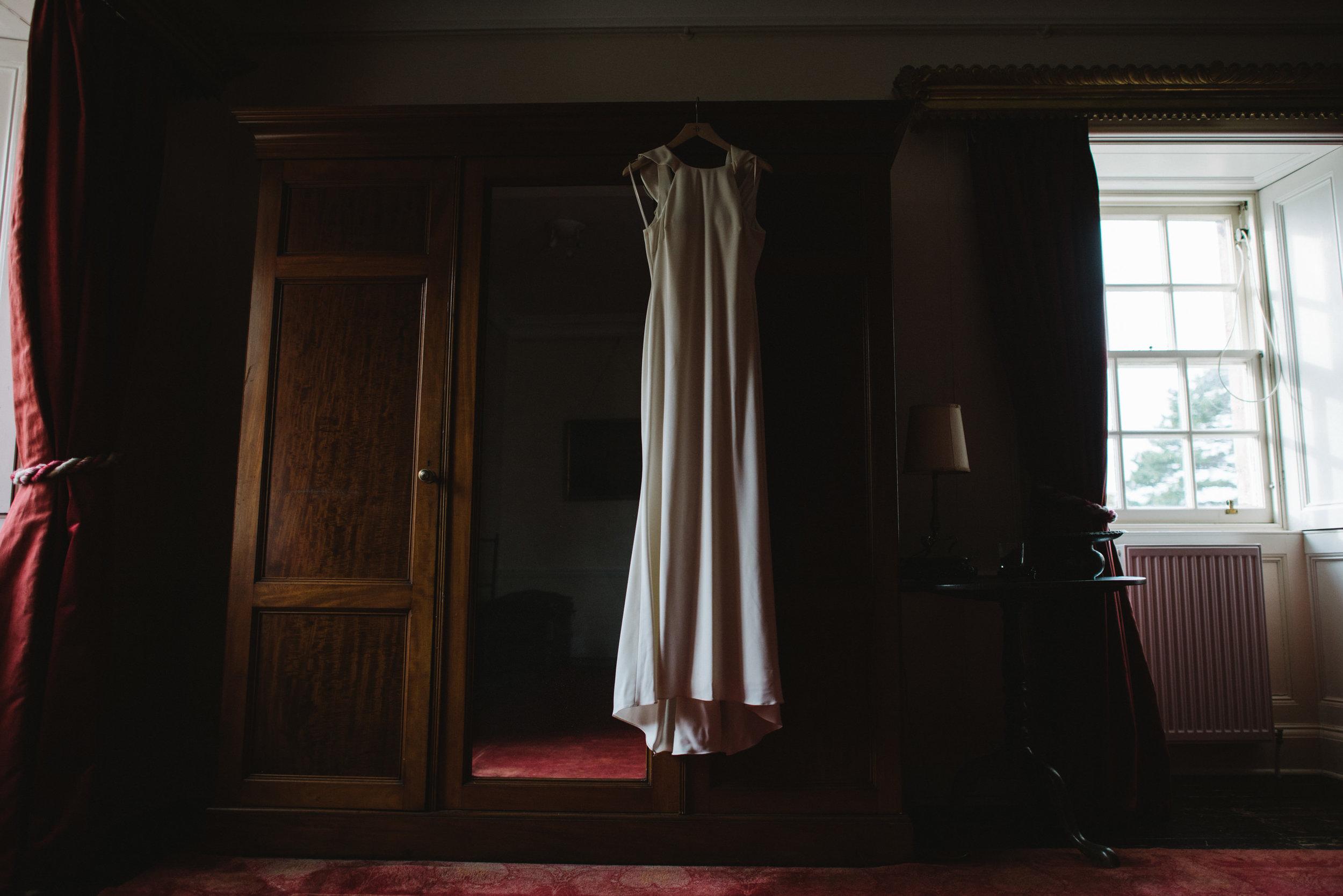 0038-LISA-DEVINE-PHOTOGRAPHY-ALTERNATIVE-WEDDING-PHOTOGRAPHY-SCOTLAND-DESTINATION-WEDDINGS-GLASGOW-WEDDINGS-COOL-WEDDINGS-STYLISH-WEDDINGS.JPG