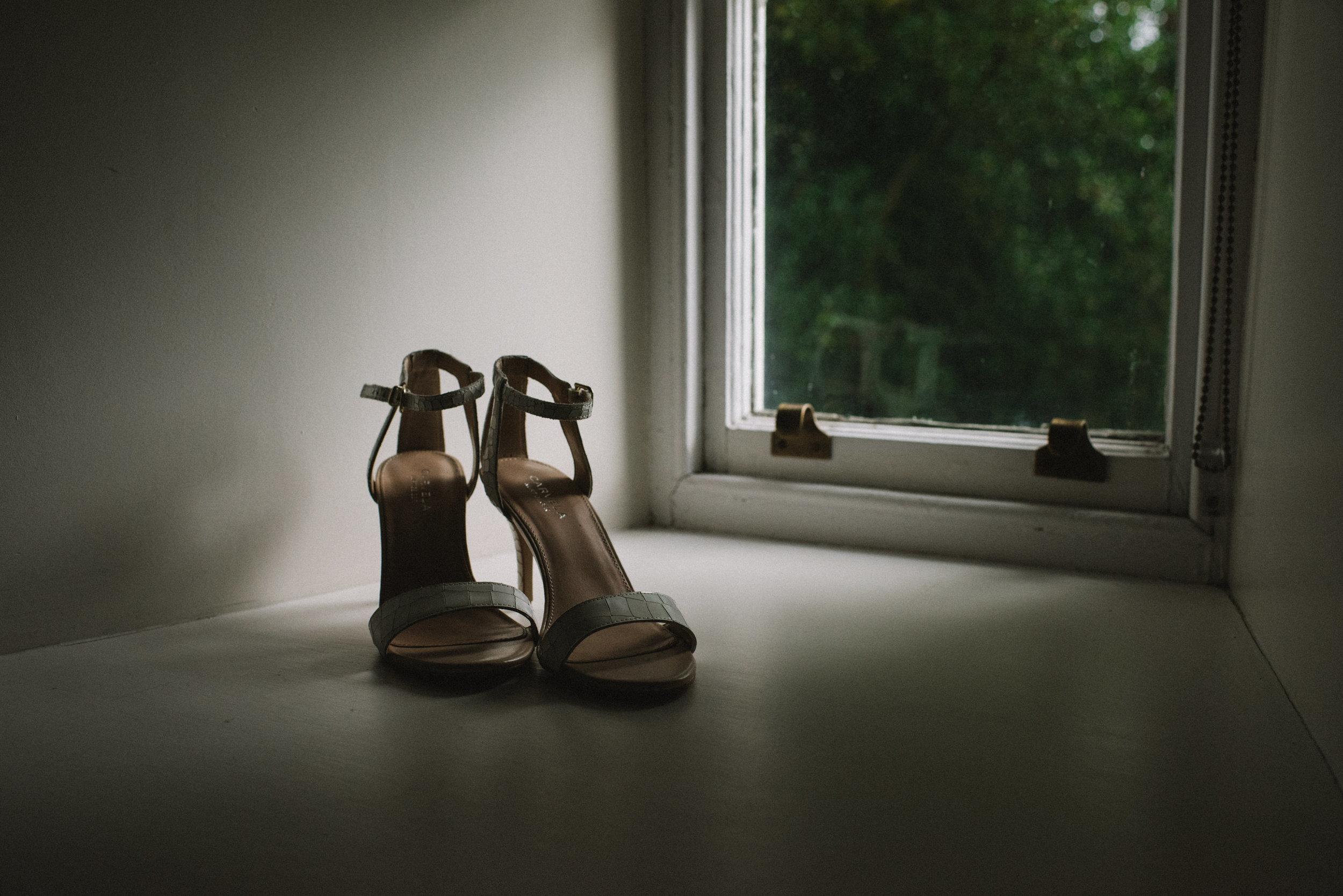 0046-LISA-DEVINE-PHOTOGRAPHY-ALTERNATIVE-WEDDING-PHOTOGRAPHY-SCOTLAND-DESTINATION-WEDDINGS-GLASGOW-WEDDINGS-COOL-WEDDINGS-STYLISH-WEDDINGS.JPG