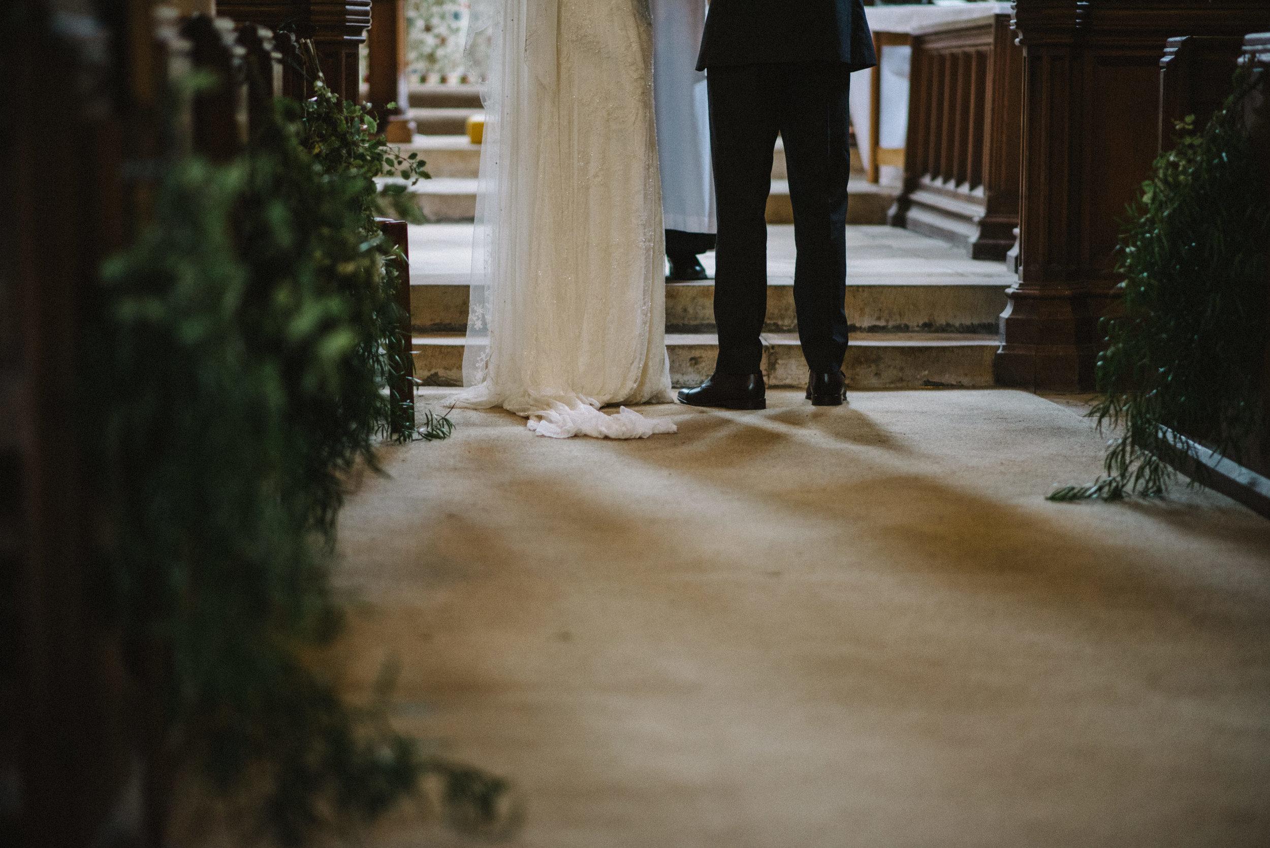 0076-LISA-DEVINE-PHOTOGRAPHY-ALTERNATIVE-WEDDING-PHOTOGRAPHY-SCOTLAND-DESTINATION-WEDDINGS-GLASGOW-WEDDINGS-COOL-WEDDINGS-STYLISH-WEDDINGS.JPG