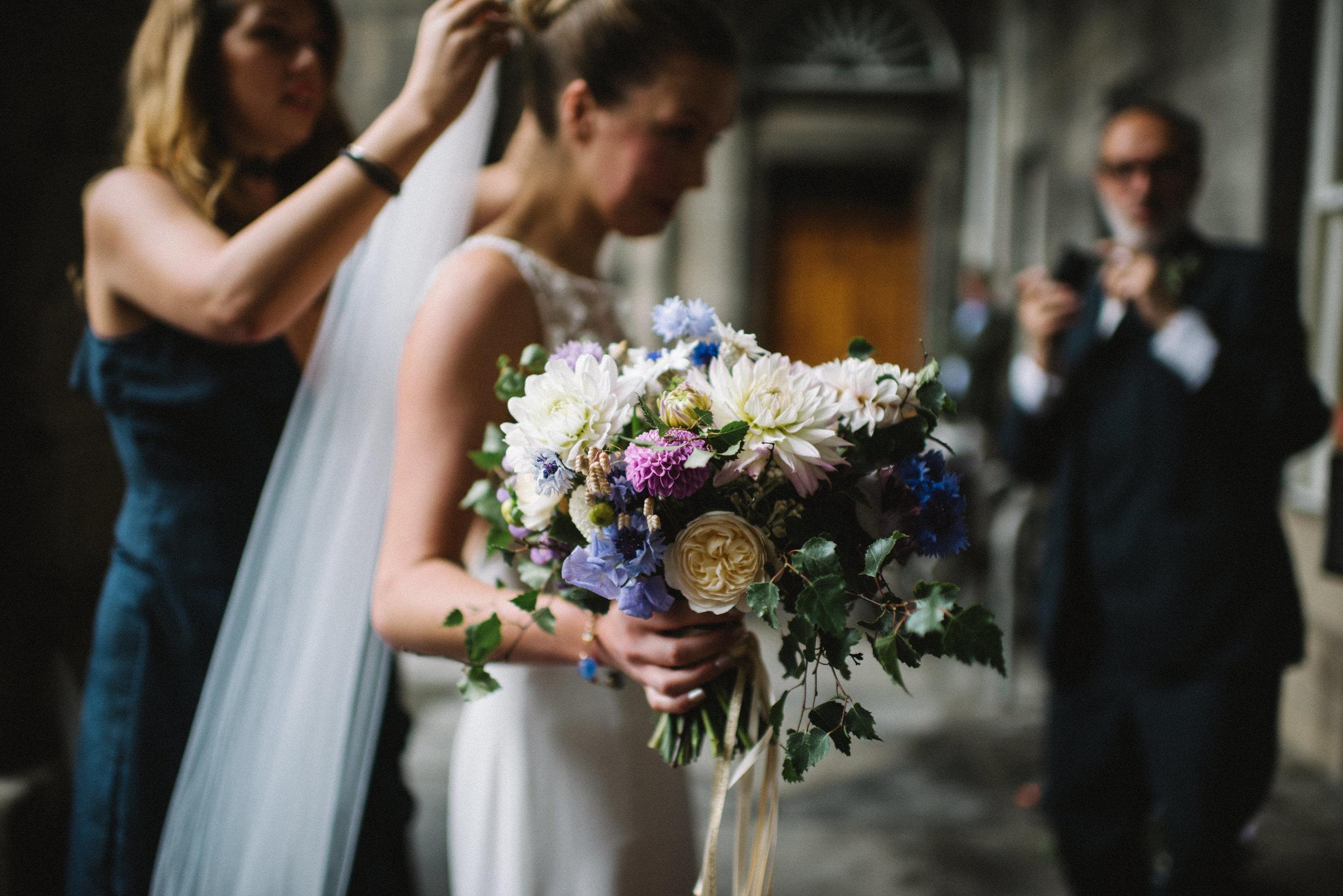 0087-LISA-DEVINE-PHOTOGRAPHY-ALTERNATIVE-WEDDING-PHOTOGRAPHY-SCOTLAND-DESTINATION-WEDDINGS-GLASGOW-WEDDINGS-COOL-WEDDINGS-STYLISH-WEDDINGS.JPG