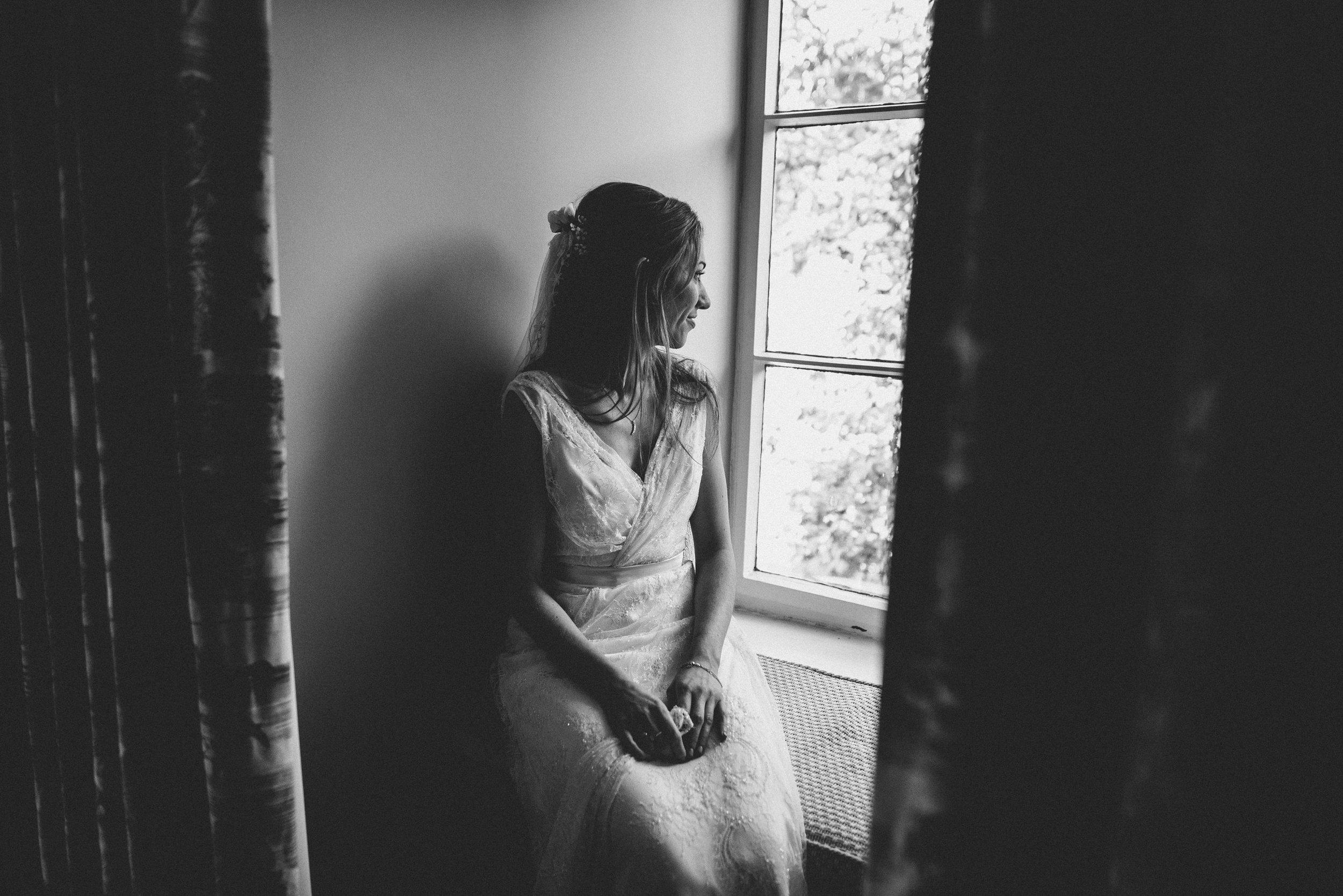 0102-LISA-DEVINE-PHOTOGRAPHY-ALTERNATIVE-WEDDING-PHOTOGRAPHY-SCOTLAND-DESTINATION-WEDDINGS-GLASGOW-WEDDINGS-COOL-WEDDINGS-STYLISH-WEDDINGS.JPG